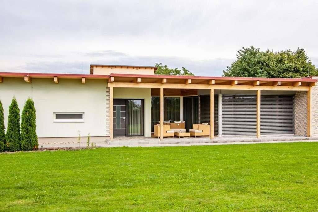 Samostatný bungalov pohled na terasu