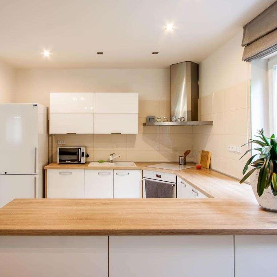 Moderní kuchyně v bungalovu