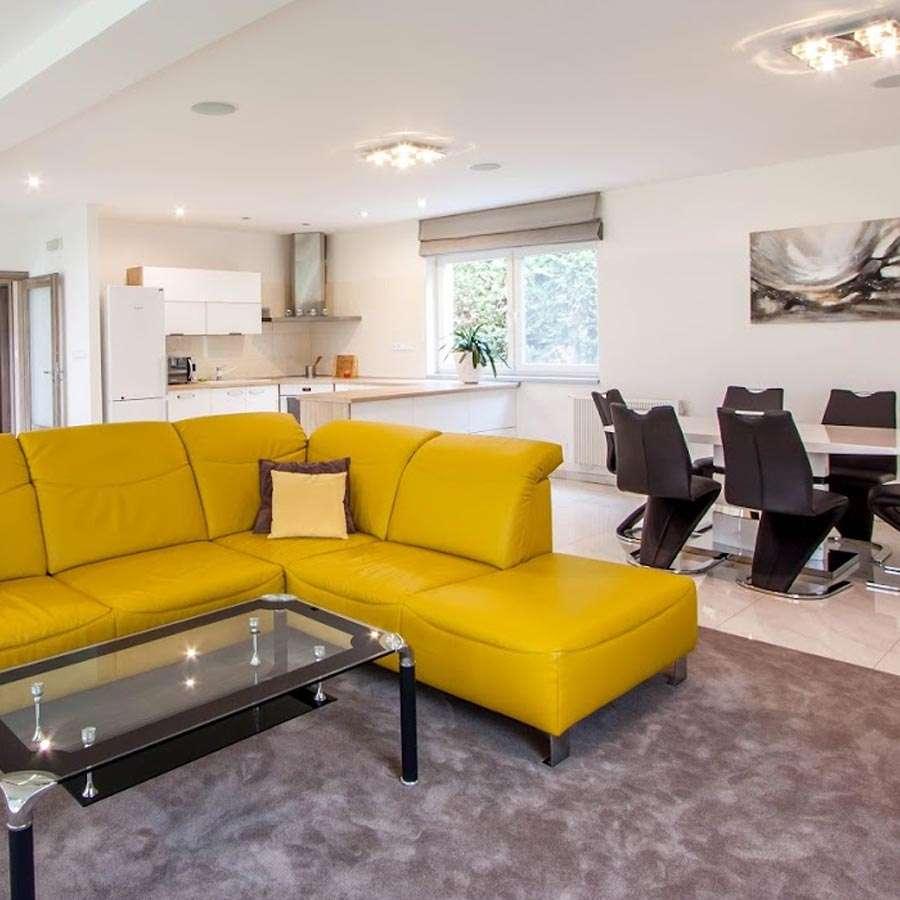 Bungalov - obývací pokoj s kuchyní